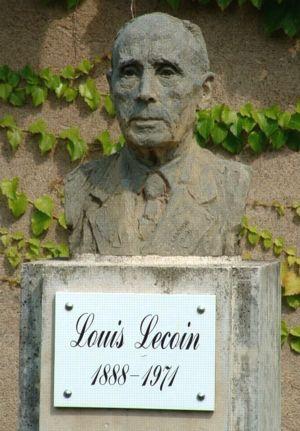 Busto de Louis Lecoin por Fabian Latorre.
