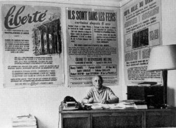 """Louis Lecoin sede del diario """"La Libertad"""" en julio de 1965."""